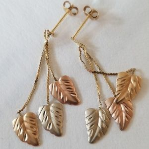 Jewelry - 14k solid tri gold leaf dangle earrings